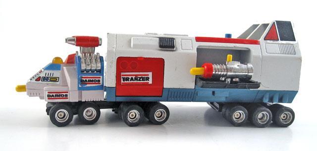 Daimos Truck