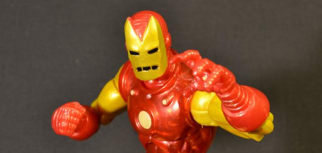 Hasbro Marvel Legends Horned Classic Iron Man