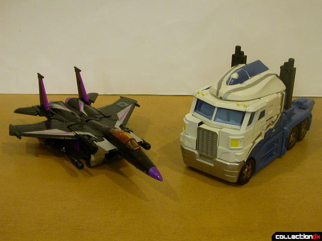 The Battle for Autobot City- Ultra Magnus VS Skywarp (both in vehicle mode)