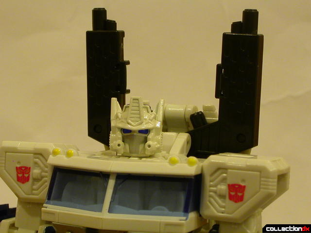 Autobot Ultra Magnus- robot mode (smokestacks attached to wind vane)