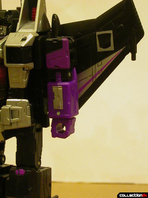 Decepticon Skywarp- robot mode (left arm, missile launcher removed from shoulder)