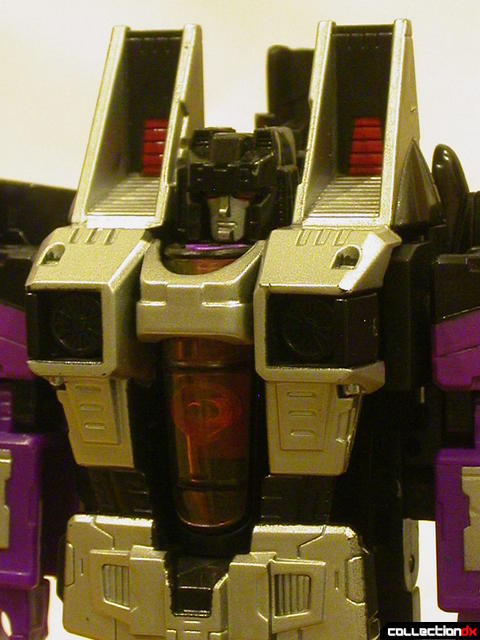 Decepticon Skywarp- robot mode (torso detail)