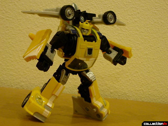 Autobot Bumblebee- robot mode, posed with Wave Crusher attached (2)