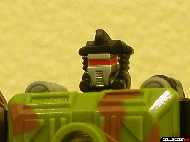 Autobot Signal Flare- robot mode (head detail)