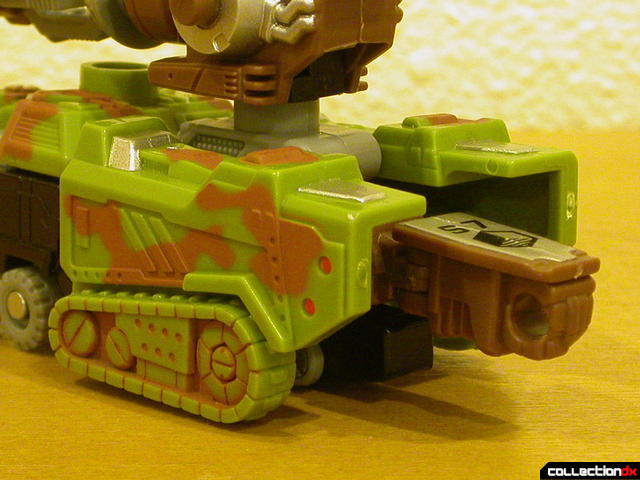 Autobot Signal Flare- vehicle mode (back, close-up)