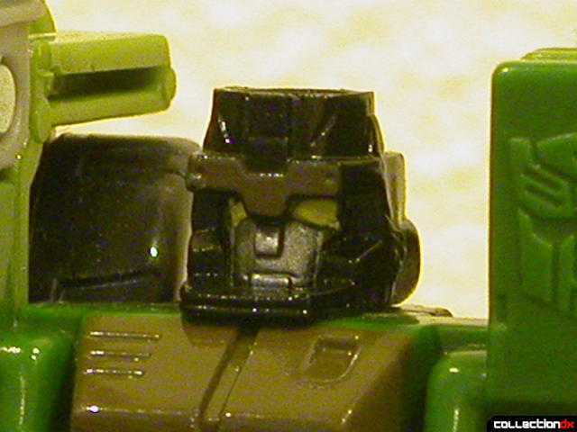 Autobot Strongarm- robot mode (head detail)