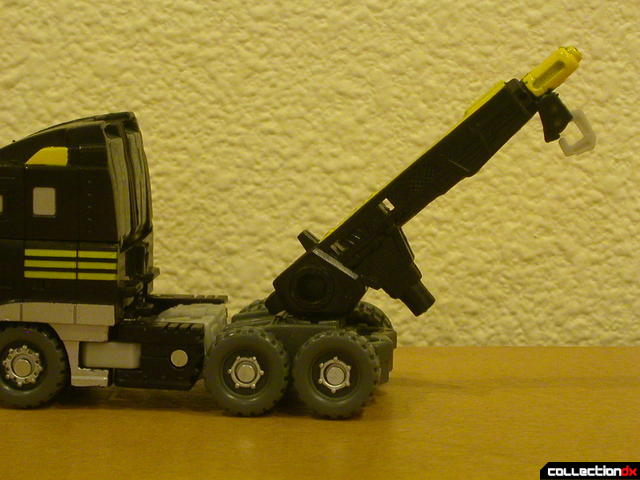 Autobot Armorhide- vehicle mode (long rifle attached as crane)
