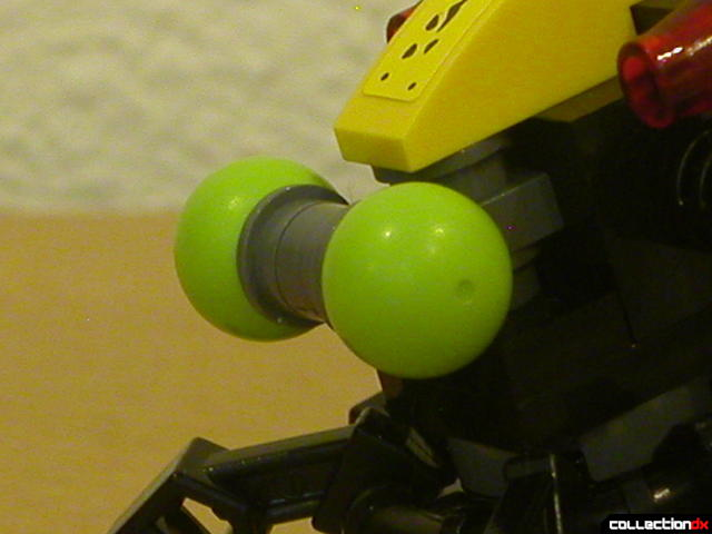 Storm Lasher- mini-robot (head detail)