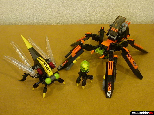 Storm Lasher's mini-robot (left) with Set #8112 Battle Arachnoid (right)