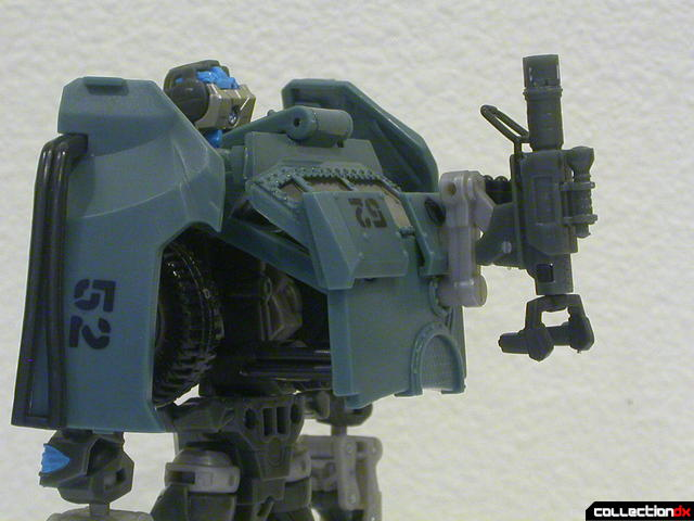 Autobot Landmine- robot mode (rifle attached to back)