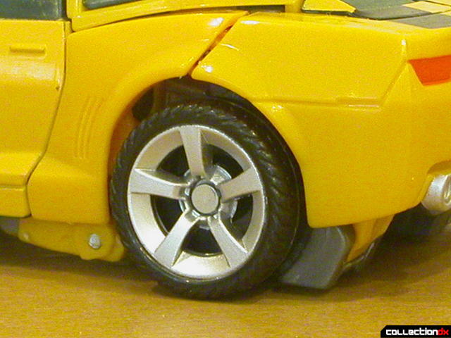Battle Scenes Autobot Bumblebee- vehicle mode (back wheel detail)