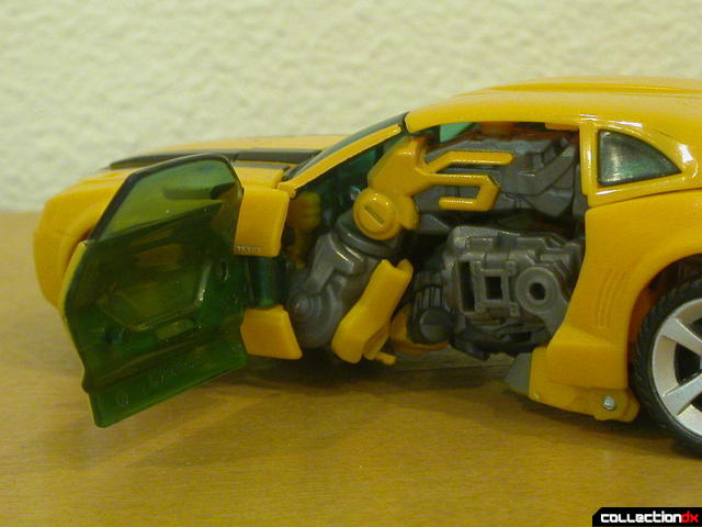 Battle Scenes Autobot Bumblebee- vehicle mode (left door open)