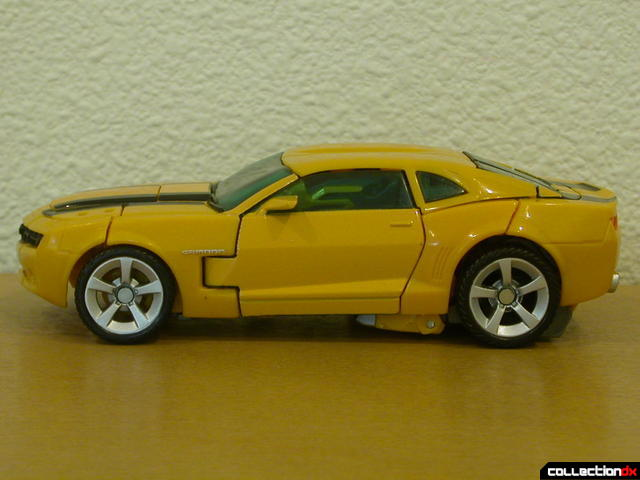 Battle Scenes Autobot Bumblebee- vehicle mode (left side)