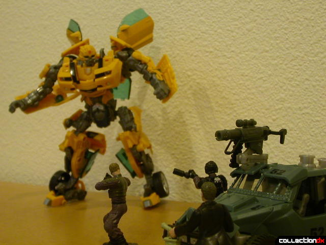 Battle Scenes- Capture of Bumblebee (cameo by Autobot Landmine at right)(2)