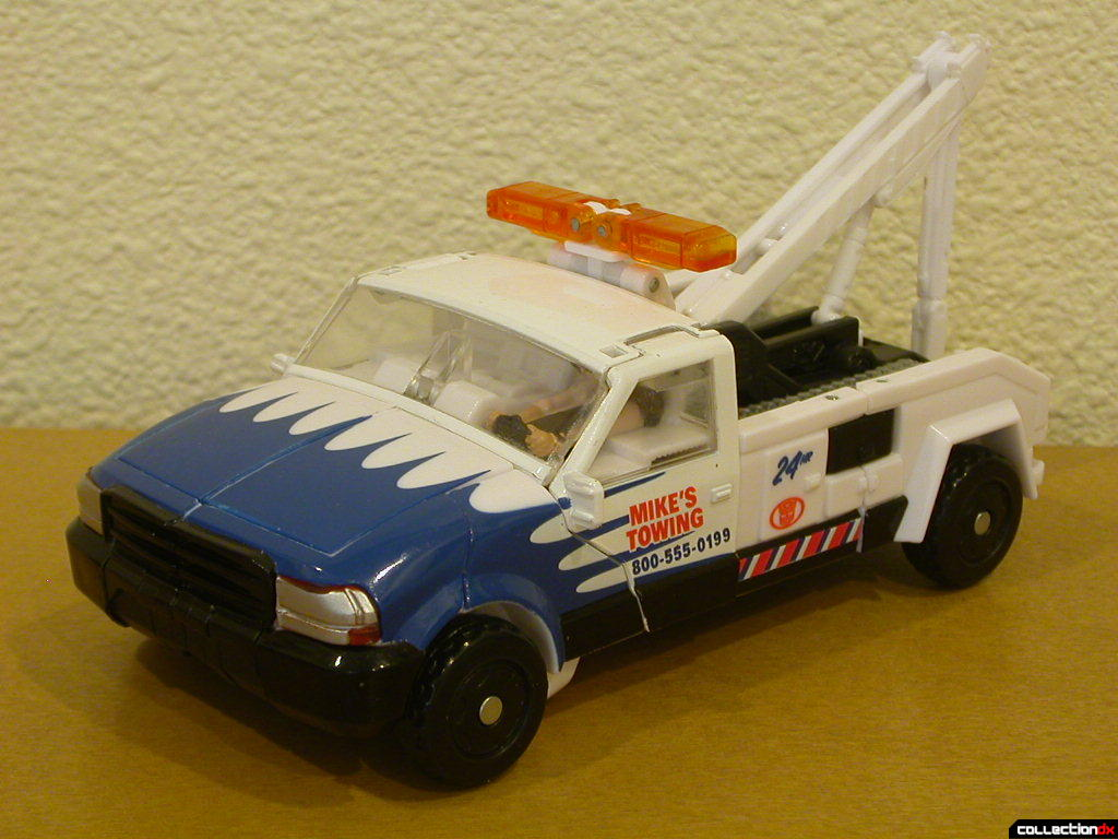 Battle Scenes Autobot Longarm- vehicle mode (front)