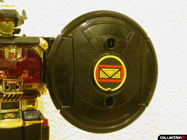 Deluxe Astro Galactic Megazord- Megazord Mode (Shield, front detail)