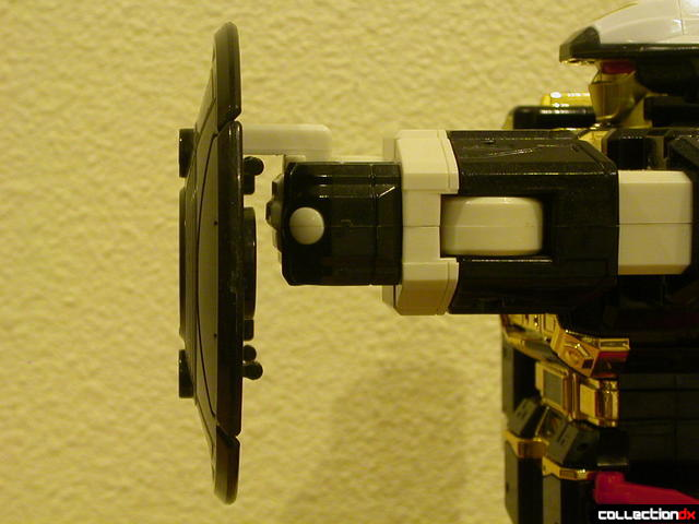 Deluxe Astro Galactic Megazord- Megazord Mode (Shield, side detail)