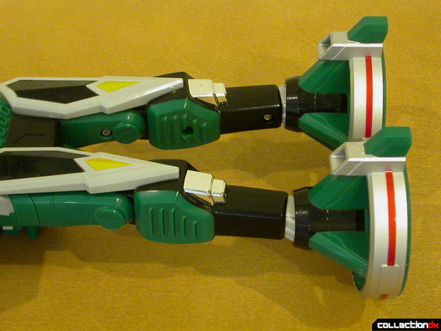 Deluxe Samurai Star Lightning Megazord -Chopper Mode (back detail)