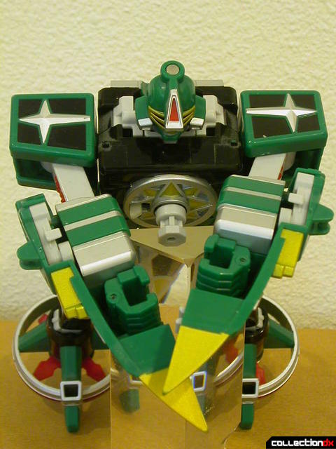 Deluxe Samurai Star Lightning Megazord -Megazord Mode (arms together in front)