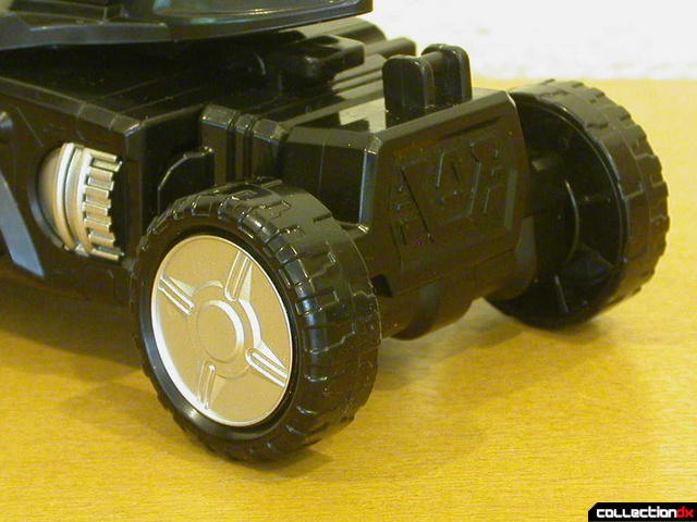 Engine Gattai Series 2- Engine Gunpherd (back wheels detail)