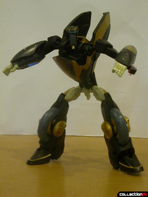 Autobot Prowl- robot mode posed (1)