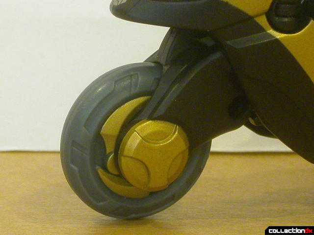 Autobot Prowl- vehicle mode (front wheel detail)