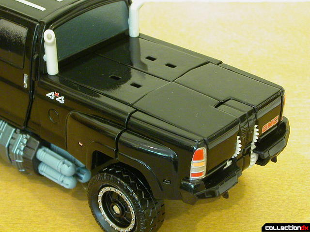 Premium series Autobot Ironhide- vehicle mode (truck bed cover detail)