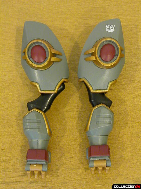 arms from Voyager-class Grimlock- normal (left) and modified (right)