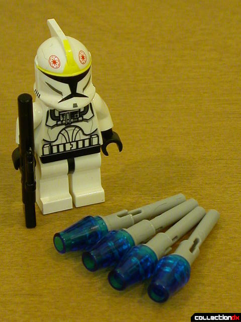 V-19 Torrent accessories- Clone Trooper minifig with provided missile projectiles