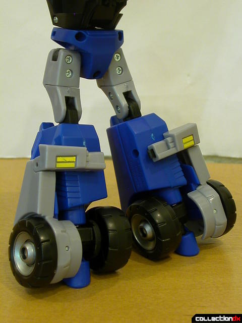 Autobot Optimus Prime- robot mode (legs detail, back)