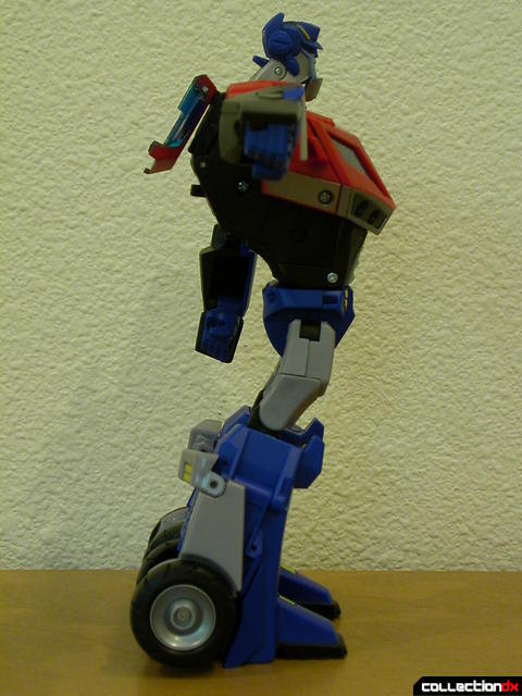 Autobot Optimus Prime- robot mode (right profile, with right arm raised)