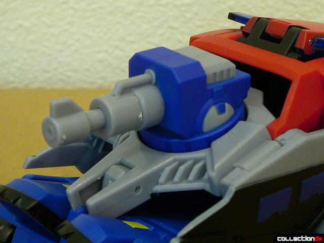 Autobot Optimus Prime- vehicle mode (Water Cannon normal)