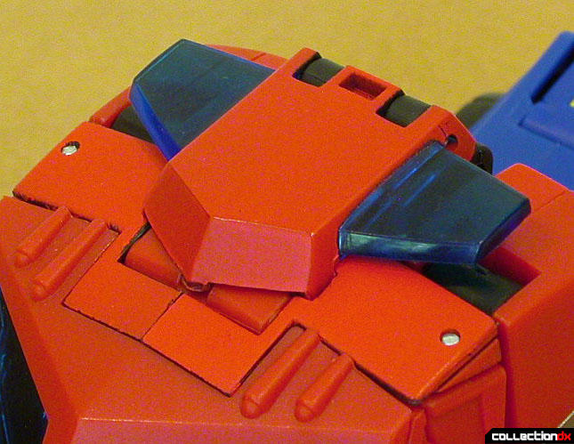 Autobot Optimus Prime- vehicle mode (strobe light detail)