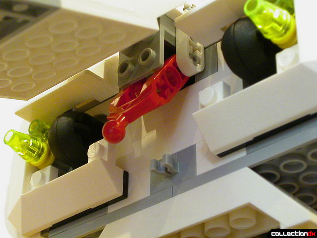 Imperial Landing Craft- cargo section detail (Technic latch, opened)