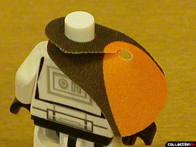Imperial Landing Craft- minifigs detail (attaching shoulder pad cloth...)
