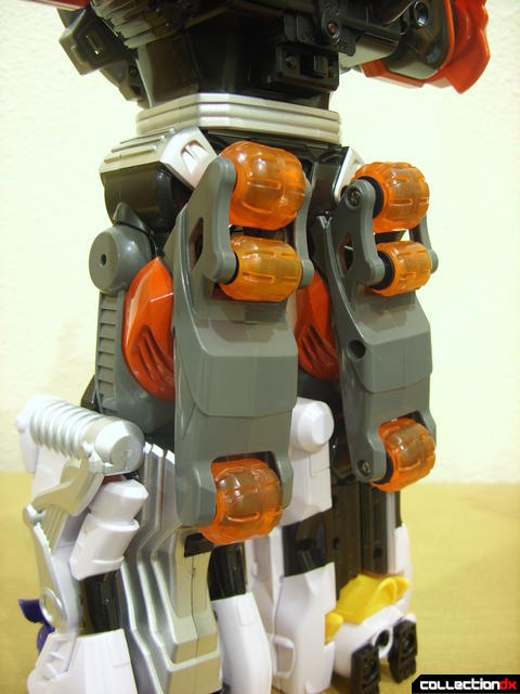 Deluxe Jungle Master Megazord (back of upper legs detail)