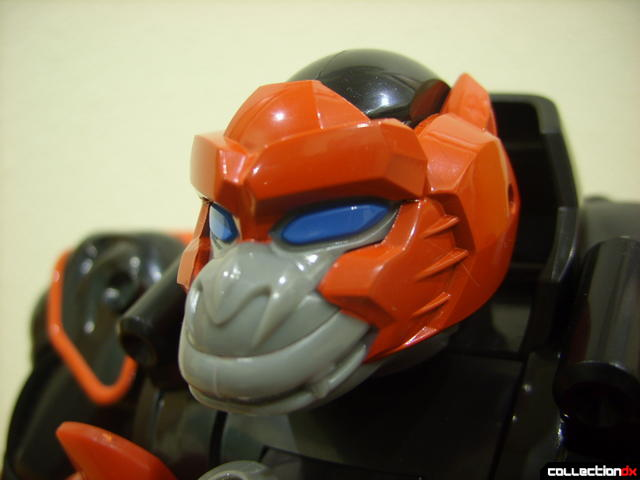 Deluxe Jungle Master Megazord- Gorilla Spirit Zord (head detail)