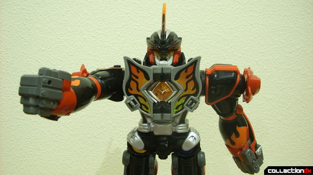 Deluxe Jungle Master Megazord posed (2)