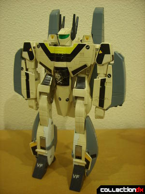 VF-1S Super Valkyrie - Battroid Mode (front)