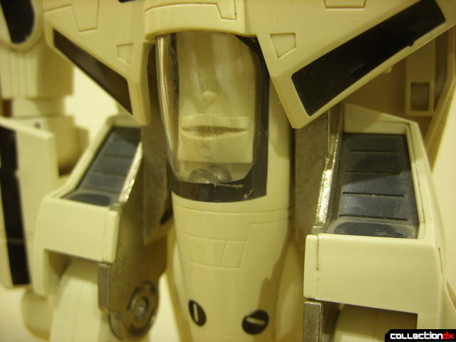 VF-1S Valkyrie - attaching canopy shield accessory clip (1)