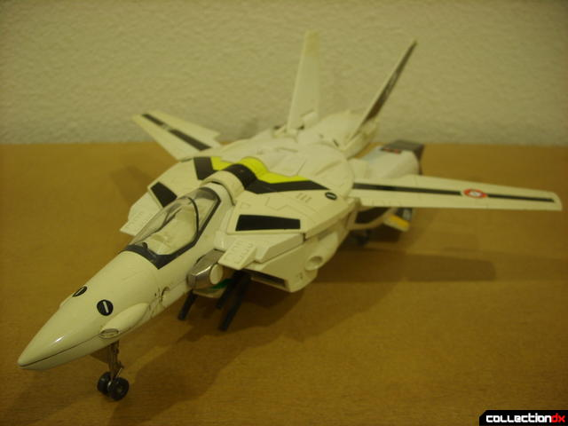 VF-1S Valkyrie - Fighter Mode (front)