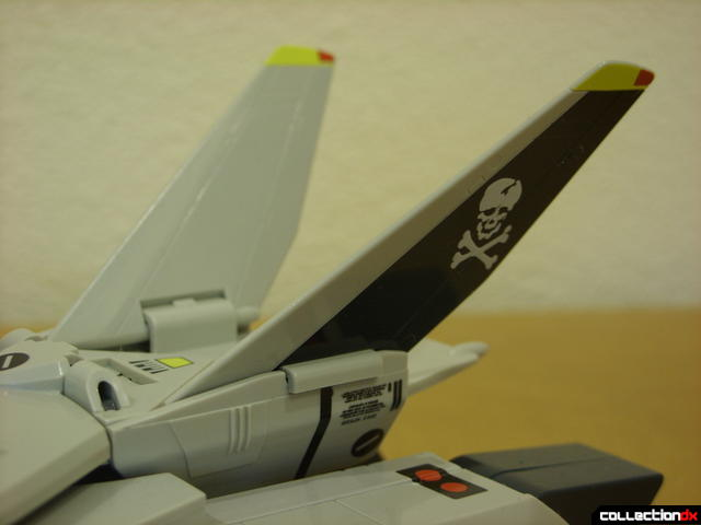 Origin of Valkyrie VF-1S Valkyrie- Fighter Mode (V-tails close-up)