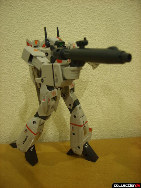 Origin of Valkyrie VF-1J Valkyrie- Battroid Mode posed (4)