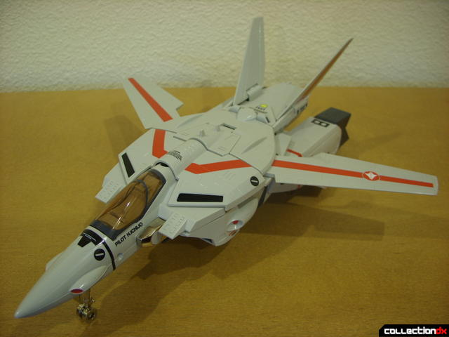 Origin of Valkyrie VF-1J Valkyrie- Fighter Mode (front)