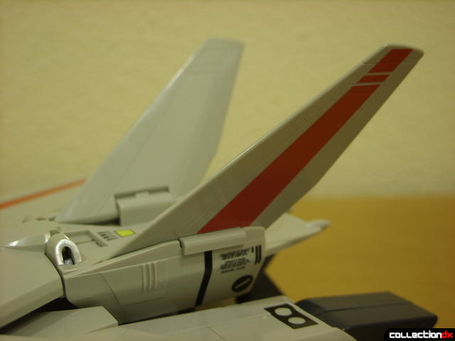 Origin of Valkyrie VF-1J Valkyrie- Fighter Mode (V-tail detail)