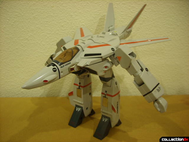 Origin of Valkyrie VF-1J Valkyrie- GERWALK Mode (wth V-tails still open optionally)
