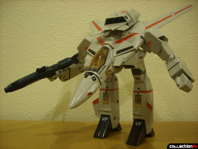 Origin of Valkyrie VF-1J Valkyrie- GERWALK Mode posed (1)