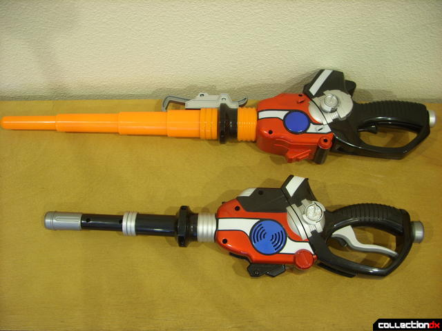 Nitro Blaster (top) and Self-Henkeiju MantanGun (below) in sword modes