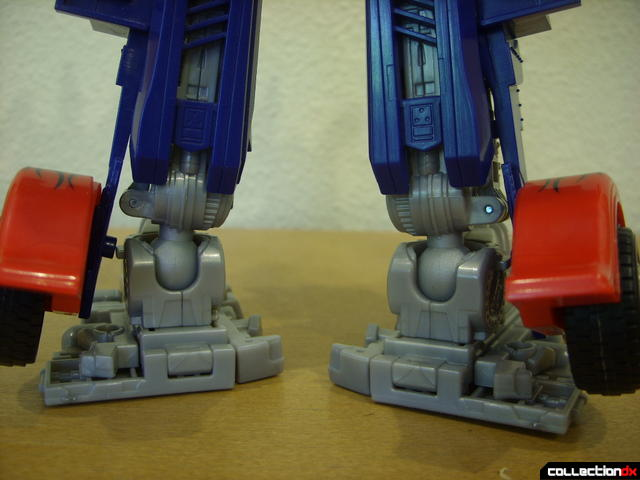 Leader-class Autobot Optimus Prime- robot mode (back of feet detail)