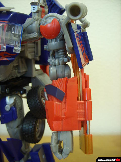 Leader-class Autobot Optimus Prime- robot mode (left arm detail)